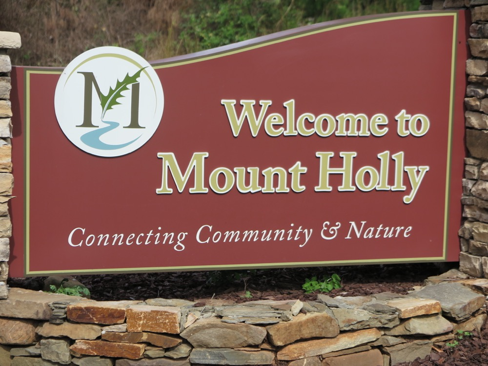 Mount Holly Welcome Sign
